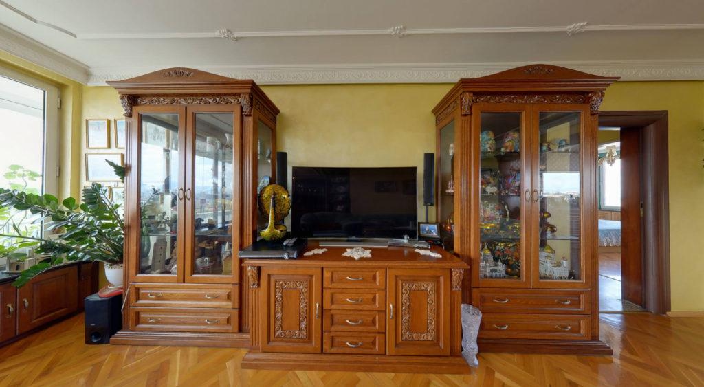 Дъбова масивна мебел за всекидневна