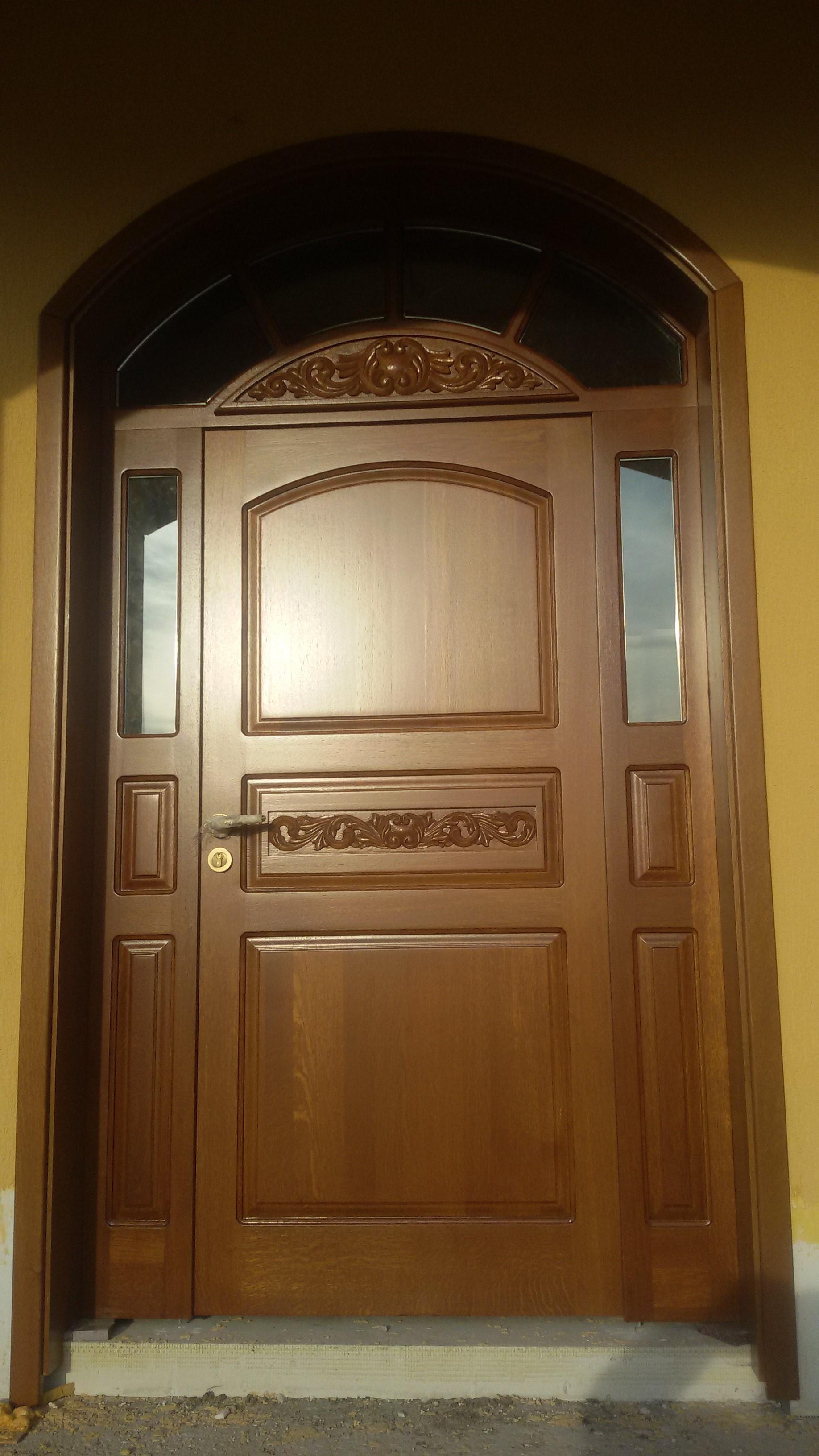 dbova-vhodna-vrata-vrt-18